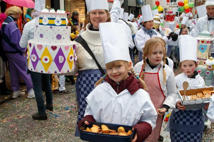 Zûlvere Knoeëk: Montessori Femiêlie
